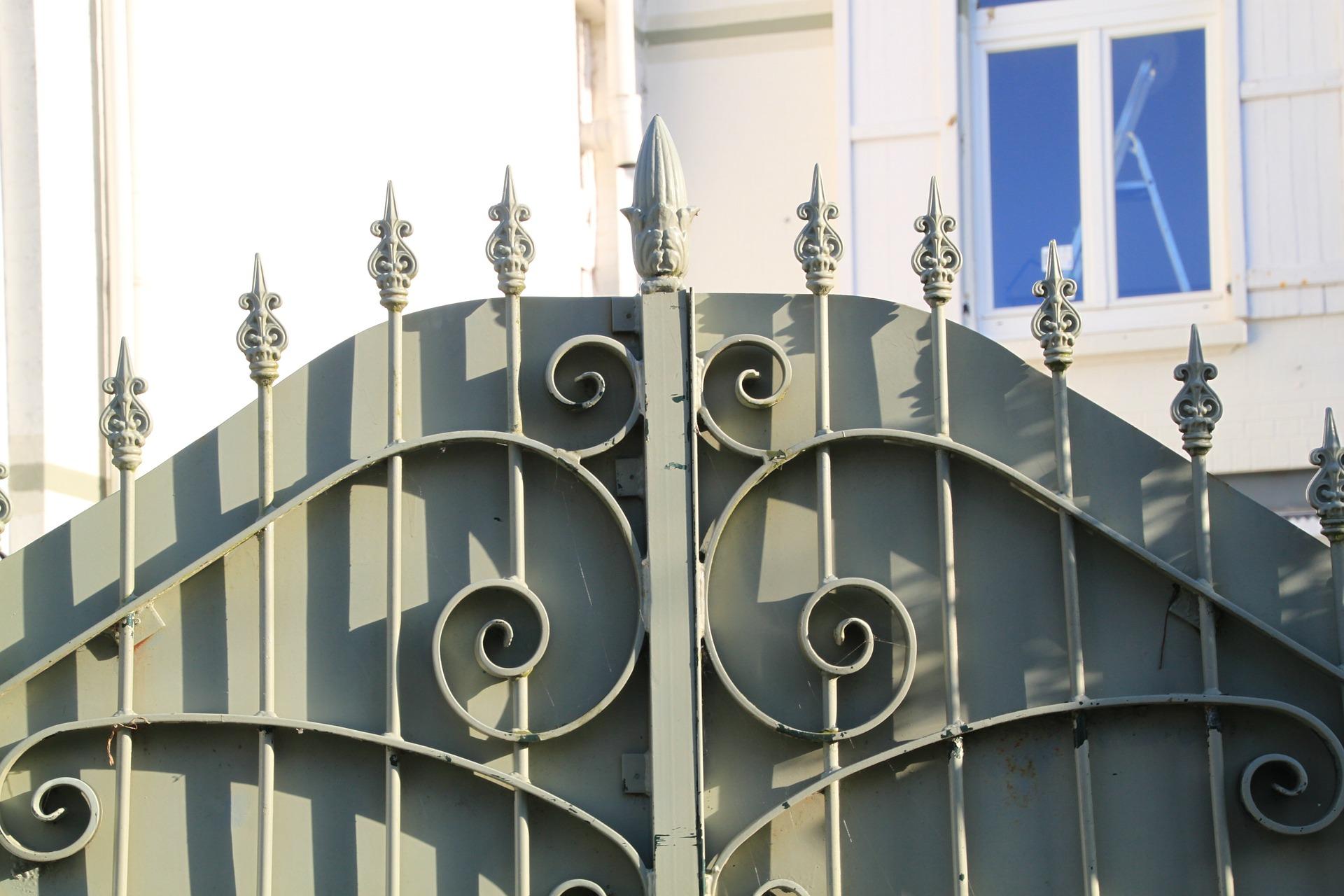 elementy metalowe do bram